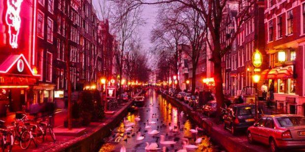 В Амстердамі заборонять екскурсії кварталом червоних ліхтарів