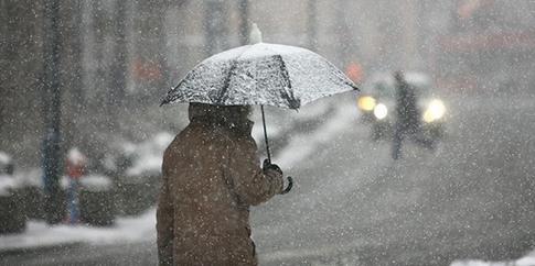 Найближчої ночі на сході країни мокрий сніг - синоптики