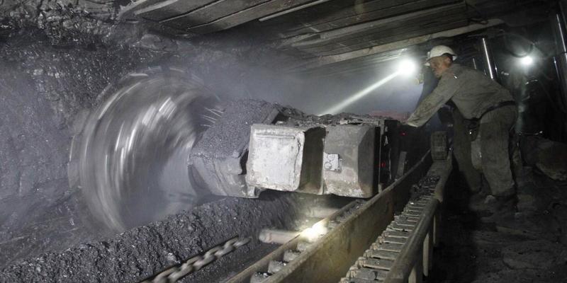 На Львівщині через обвал на шахті загинув гірник