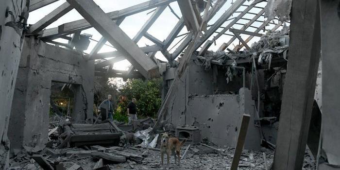 Ракета влучила у житловий будинок біля Тель-Авіва: семеро поранених
