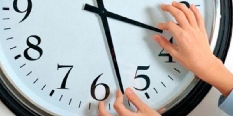 Європарламент проголосував за скасування переведення стрілок годинників з 2021 року