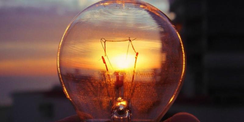Нацкомісія збереже низький тариф на світло для населення, не чіпаючи доходи Ахметова
