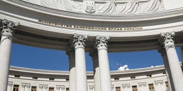 Київ веде переговори з дипломатами про посилення тиску на Росію