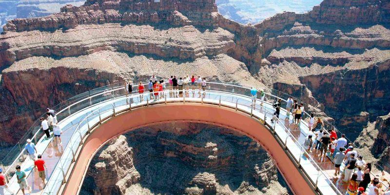 У Великому каньйоні впав турист, який робив фото