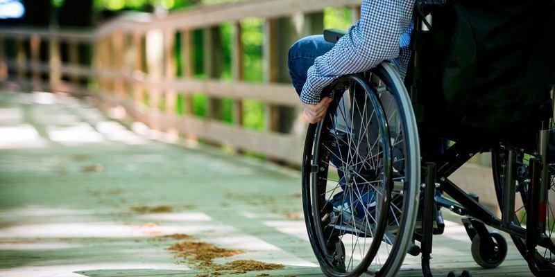 Роботодавців зобов'яжуть облаштовувати робочі місця для людей із інвалідністю