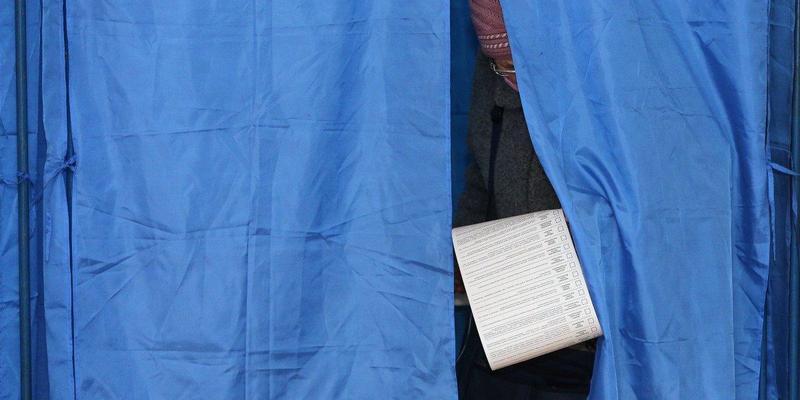 На виборах президента України вже проголосували понад 44% виборців