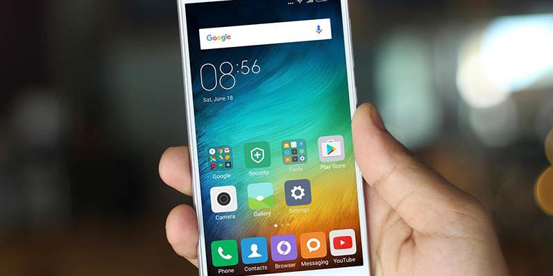 Смартфони мають 55% українців - половина з них не уявляють життя без гаджета