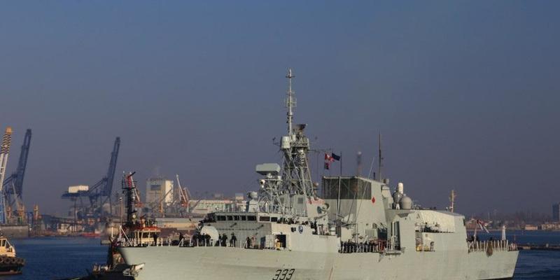 До Одеси прибули НАТОвські фрегати ВМС Канади й Іспанії (фото)