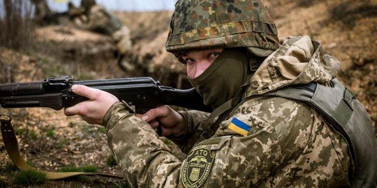 Бійці ЗСУ жорстко відповіли на обстріли окупантів на Донбасі: є жертви і поранені