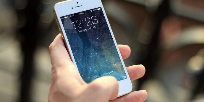 Вперше мобільні оператори заробили на інтернеті більше, ніж на дзвінках