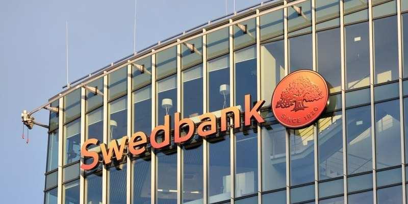 Глава правління Swedbank пішов у відставку на тлі скандалу про відмивання грошей
