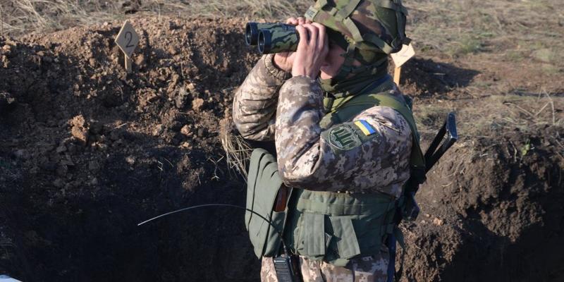 Війна на Донбасі: ворог бив із забороненого озброєння, двоє військових загинули