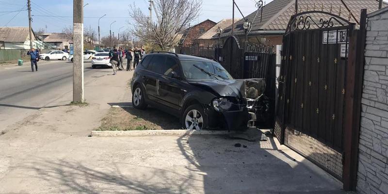 В Запоріжжі жінка за кермом BMW на смерть збила семирічного хлопчика