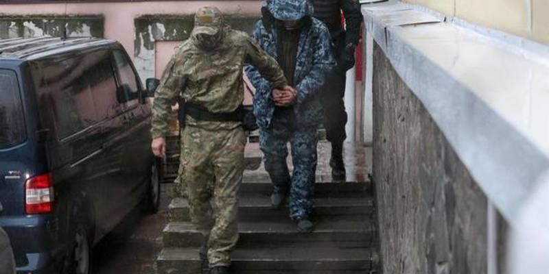 Рідні полонених моряків збираються їхати на так звані судові засідання до Москви