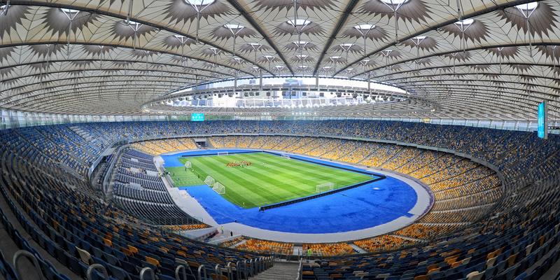 НСК Олімпійський отримав запити від Порошенка і Зеленського на проведення дебатів