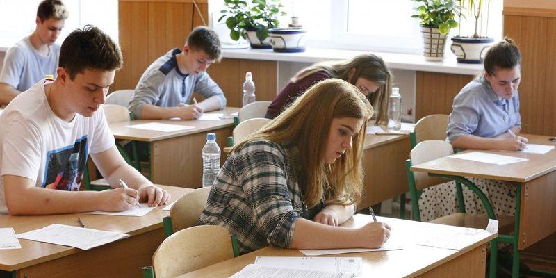 Кабмін ініціює запровадження навчальних змін у школах