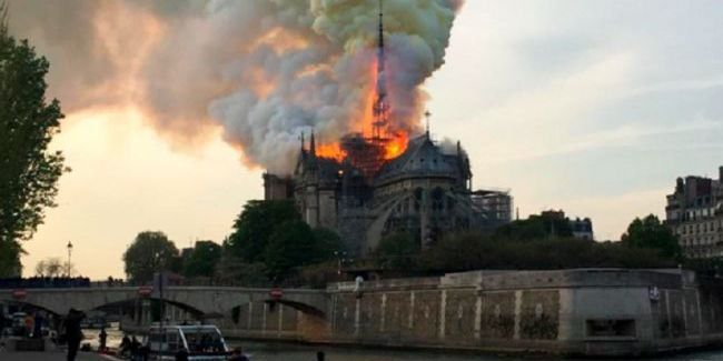 Французька родина пожертвує 100 мільйонів євро на відновлення Нотр-Дама