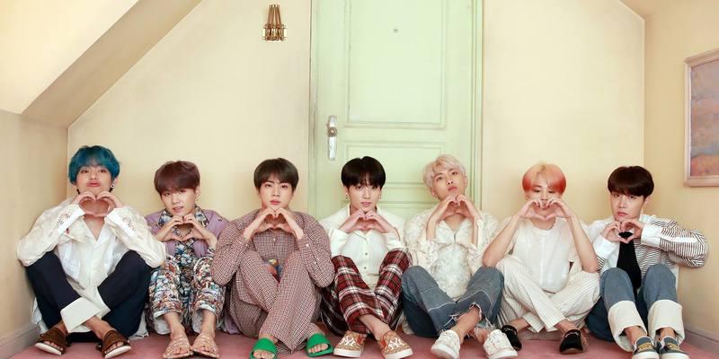 Кліп корейської групи BTS на пісню Boy with Luv встановив рекорд за переглядами (відео)