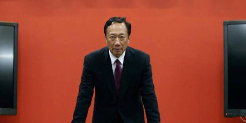 Тайванський мільярдер вирішив піти в президенти, тому що його благословила морська богиня