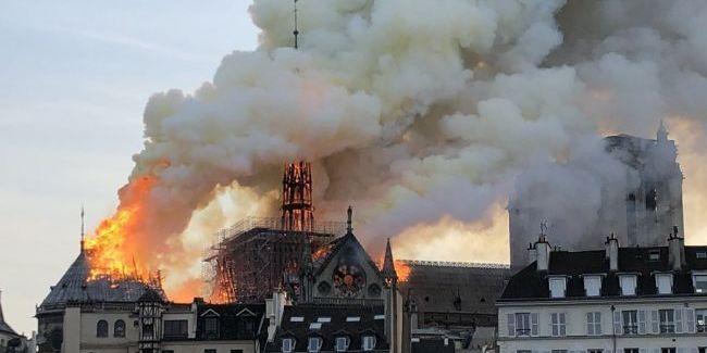 Собор Паризької Богоматері закриється на шість років