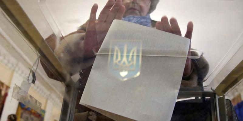 В Україні настав «день тиші» перед повторним голосуванням на виборах президента