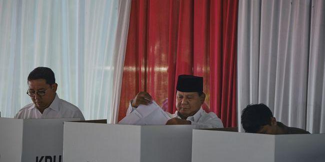 В Індонезії від перевтоми померли більше 90 членів виборчих комісій