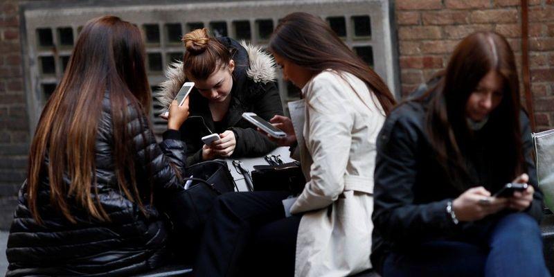 З 1 травня українці зможуть змінювати оператора без втрати свого номера