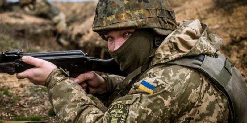 Війна на сході: Окупанти здійснили 13 обстрілів, 1 боєць ООС загинув
