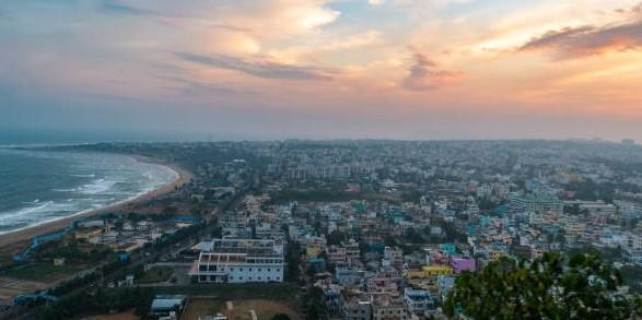 В Індії масові евакуації через потужний циклон