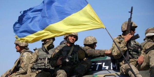 На Донбасі поранено двох українських військових – штаб