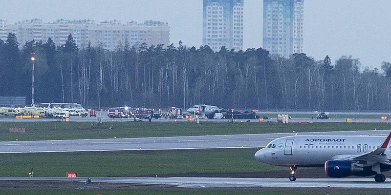 В аеропортуШереметьєвопри аварійній посадці літака загинули 13 осіб (відео)