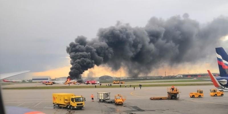 Слідком Росії назвав версії катастрофи літака в Шереметьєво