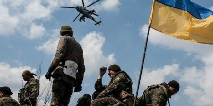 Полторак підписав наказ про підвищення зарплати військовим на Донбасі
