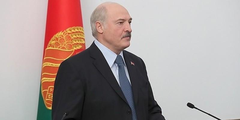 Євродепутати вимагають пояснити запрошення Лукашенка до Брюсселя