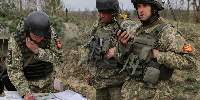 Війна на Донбасі: за добу двоє українських військових дістали поранення від обстрілів