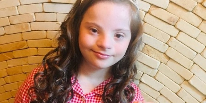 Дівчинка із Вінниці з синдромом Дауна виборола корону на міжнародному конкурсі краси (фото)
