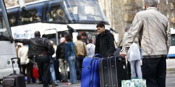 Обсяг переказів від заробітчан буде скорочуватися - вони вже виїжджають за кордон сім'ями, - експерт