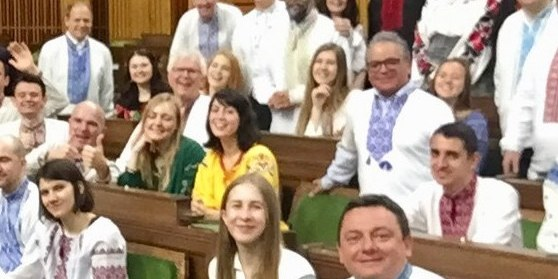 Канадські депутати прийшли в українських вишиванках у парламент