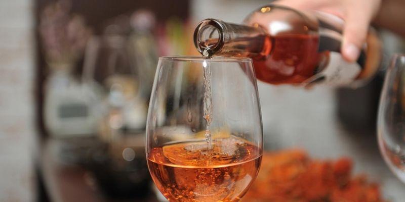 Стало відомо, в якій країні найбільше вживають алкоголь