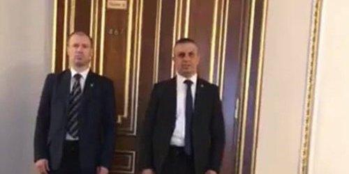 Ляшку заборонили знімати на телефон переговори із Зеленським (відео)