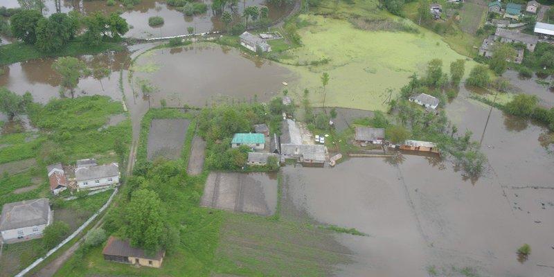 Підтоплення на Закарпатті: пік паводка минув, служби життєзабезпечення працюють над ліквідацією наслідків