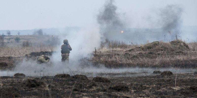 Минулої доби окупанти 17 разів обстріляли позиції ООС: один український боєць загинув