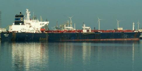 Моряки з затриманого в Єгипті танкера повертаються в Україну