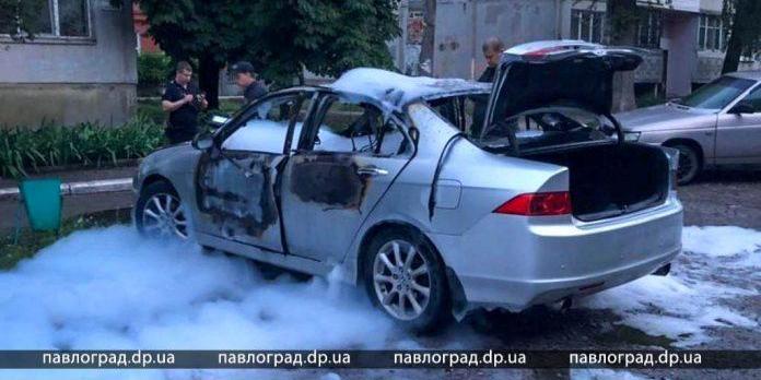У Павлограді підірвали машину Раміля Ахмедова