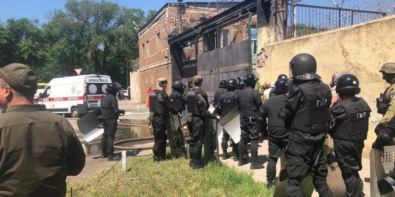 Бунт в одеській колонії: постраждали чотири співробітника