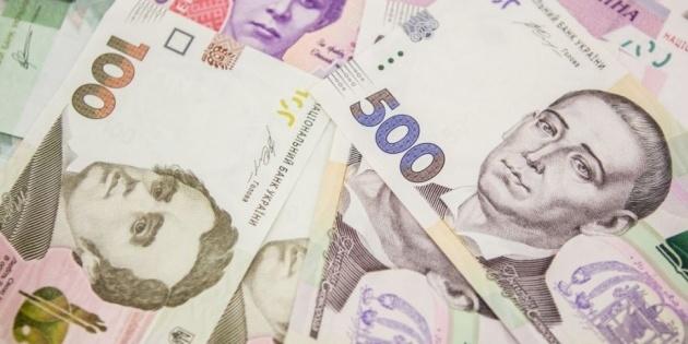 Гривня суттєво зміцнилась до долара і євро