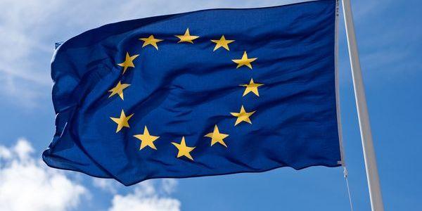 У країнах єврозони вводяться в обіг нові купюри (фото)