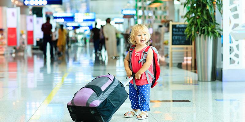 Виїзд дитини за кордон: коли не потрібен дозвіл другого з батьків