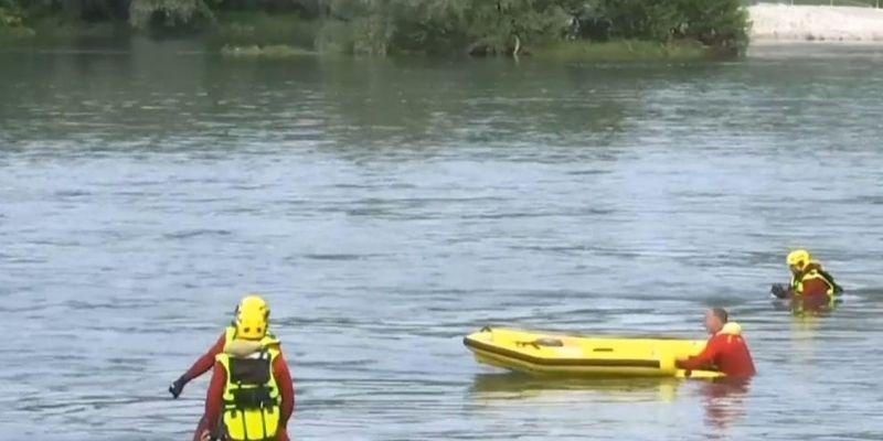 Човен з туристами перекинувся на Рейні: троє загиблих