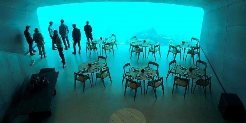 У Норвегії відкрився перший у Європі ресторан під водою